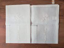 Hímzett terítő krém 90 x 90 cm