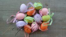 Színes függő tojások